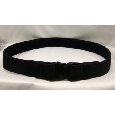 cinturão com ajuste em velcro e encaixe de segurança
