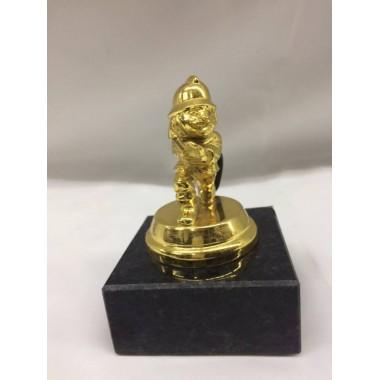 Estatueta pequena de bombeiro em metal dourada 11cm