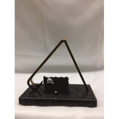 Troféu [estatueta] de bombeiro com escada , medida de largura 20cm  de altura 18cm